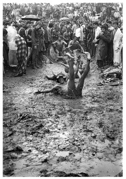 free-as-a-bird-now:  Having fun in the dirt!  Woodstock, 1969.