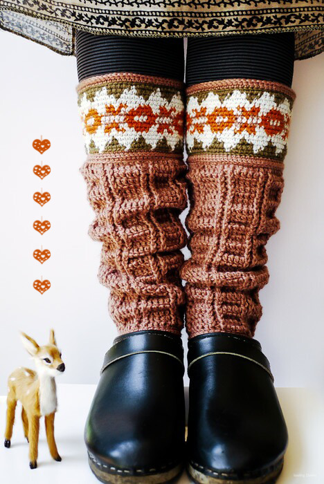 podkins:  Oh my goodness!  These leg warmers are totes awesome!!   Made by Sewing Daisies via this Japanese pattern here