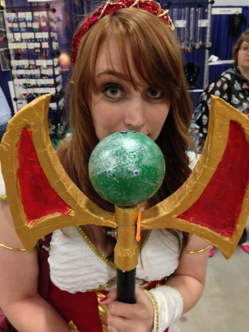 vandaleyesarmy:  Ottawa ComicCon guest VandalEyes'd her cosplay.  VandalEyesing a Guild cosplay? How perfect is that? Too perfect! Stamp of excellent approval!