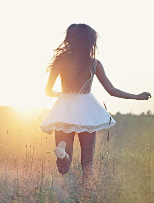 theresnothingliketomorrow:  ☮✿★ Girl ✝☯☮  på @weheartit.com - http://whrt.it/XCFmbb