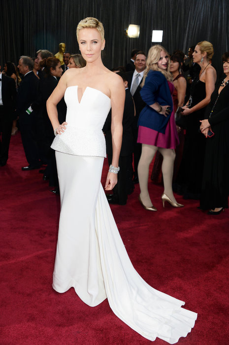 Liz got on the red carpet at the Academy Awards! Check out some more photos on the PubLIZity Pinterest!