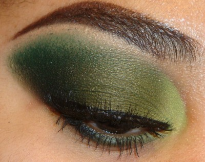 My New Green Eyeshadow Tutorial using #bhcosmetics 88 cool matte palette here http://youtu.be/FibT6-828oU at http://www.youtube.com/makemeupbywhitney