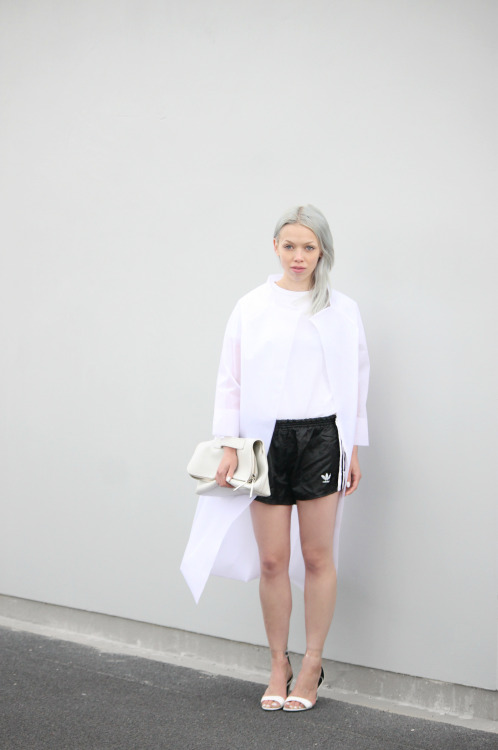 i-love-aesthetics:  Long coat short shorts