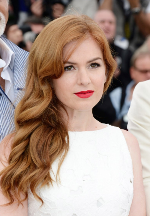 Isla Fisher at the premier of The Great Gatsby in Cannes with makeup by Mary Wiles.