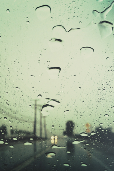 the-absolute-best-posts:  plasmatics-life: YOU LIKE RAIN?! ( P R I S M A T I ☾  ) I LURVE RAIN
