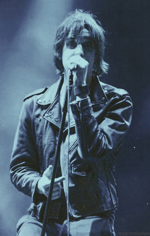 musiccantouchyou:  12/100 Pictures of Julian Casablancas