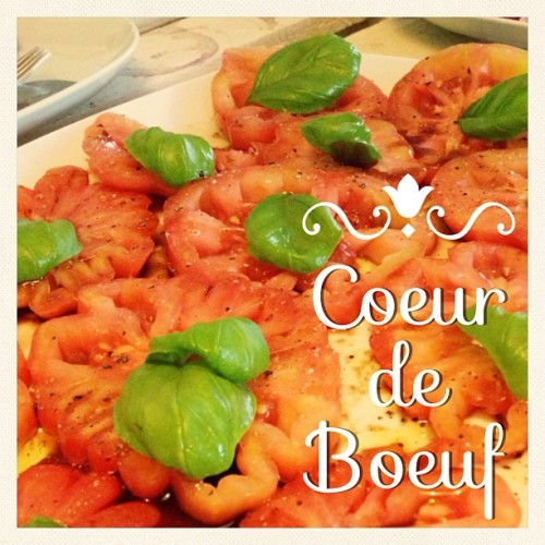 Funny yummy tomatos called Coeur de boeuf ❤🍅 #vegan #vegetarian #food #health #salad #red #tomato #nomnom #foodie #foodporn