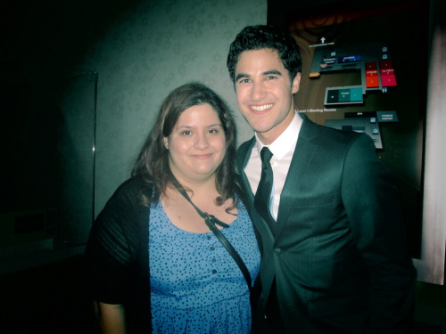 yourenotlaura:  DARREN CRISS AND I!!! AHH WHY IS HE SO BEAUTIFUL!?!?!?!?