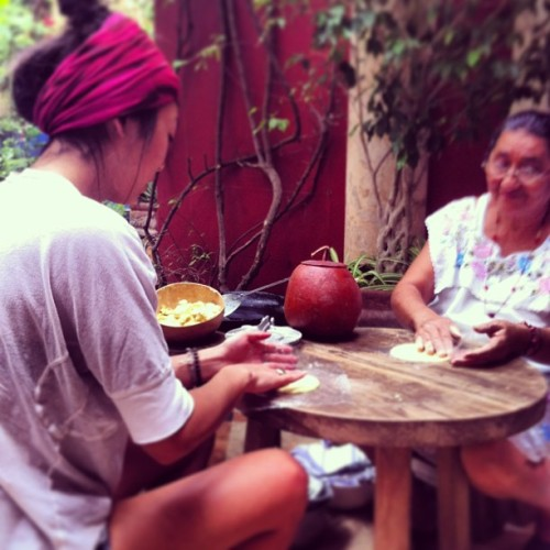 Salbute-making 101. (at los dos)