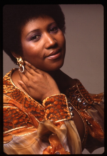 The One and Only Aretha Franklin turned 71 years old yesterday! Doesn't she look beautiful with her afro in this 1973 photo by Anthony Barboza? I love it! Photo: Anthony Barboza/Getty.