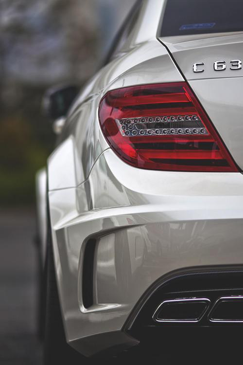 johnny-escobar:  C63 AMG Benz