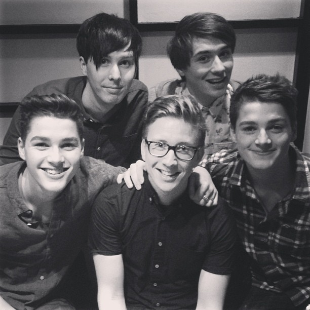 mufinnstwin:  jacksgap:  Finally reunited with my favorite people! @tyleroakley @danisnotonfire @amazingphil  I think I've reblogged this before but I just askfakgfkjsadgalgdg