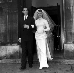 Brigitte Bardot & Roger Vadim, on their wedding.