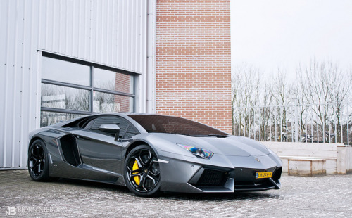 Aventador by BjornNieborg on Flickr.