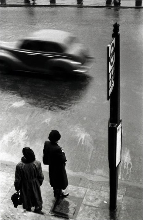Elliott Erwitt London, 1952 Thanks to undr