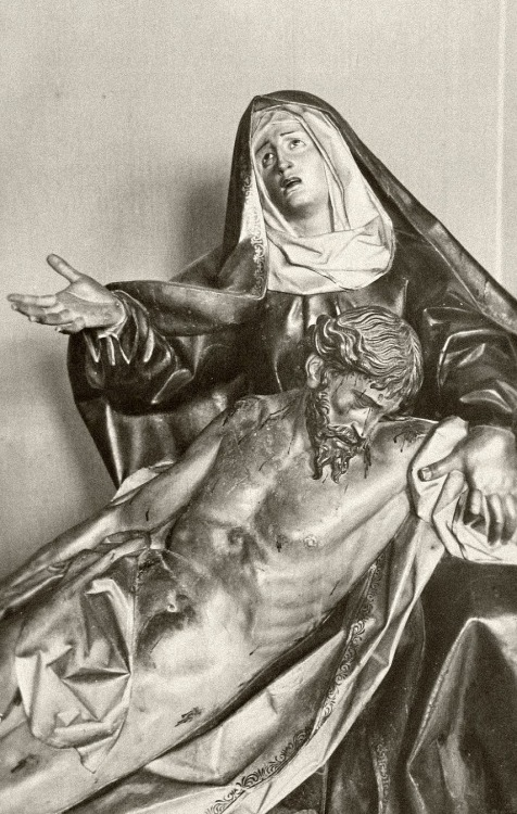 A baroque pietà by the sculpturer Gregorio Fernández in Valladolid, Spain.