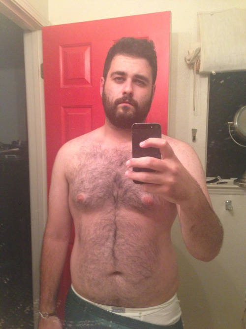 yummybearmen:  symbear:  Post workout realness  I just died.