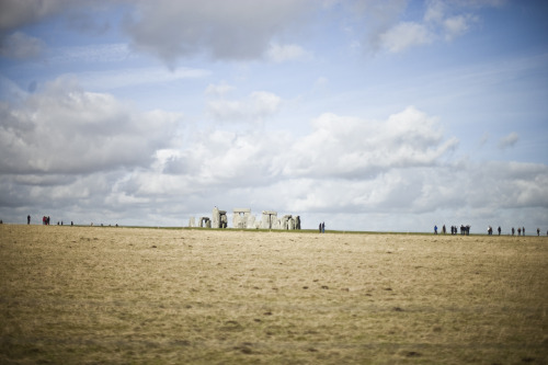 does anyone know how they get there? stonehenge, 2013