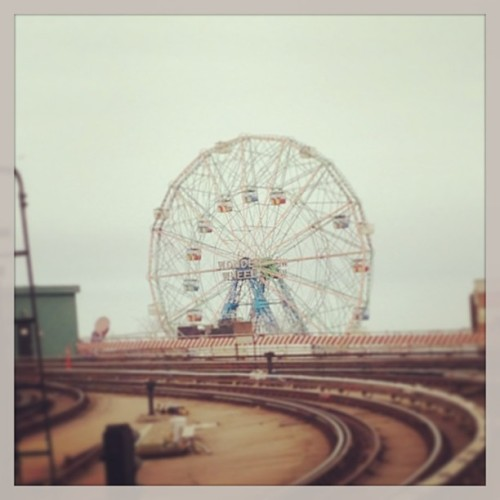 alexandrawing1:  Grey day in Brooklyn.  #mta #coneyisland
