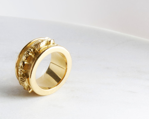 skeleton ring 18k Gold
