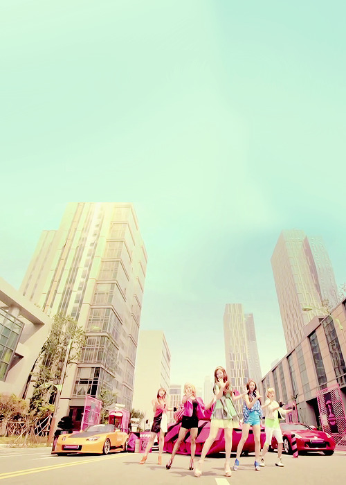 jonqdaes:  kpop + architecture, nature, scenery, etc: f(x) - hot summer