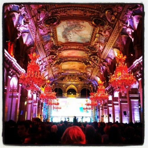 Event of the Week: Golden Blog Awards Photo by @ant1fr via Instagram  The Golden Blog Awards are an annual event in Paris where bloggers unite and celebrate all that is great about the bloggosphere. There were 20 categories in total, ranging from food to fashion, and voting took place over the months leading up to the awards. Sharypic were official partners and guests enjoyed interacting with our PhotoWall on the night. The Awards took place in the stunning Hôtel de Ville (Paris City Hall). From the photos collected on sharypic, you can get a glimpse of the beautiful interior of the building, including the huge chandeliers and colourful lighting.