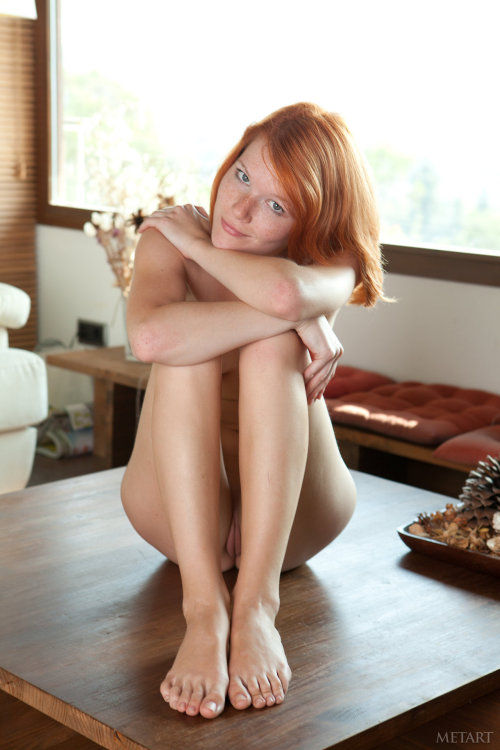 gentlybuilding:  i'm in love with Mia Sollis