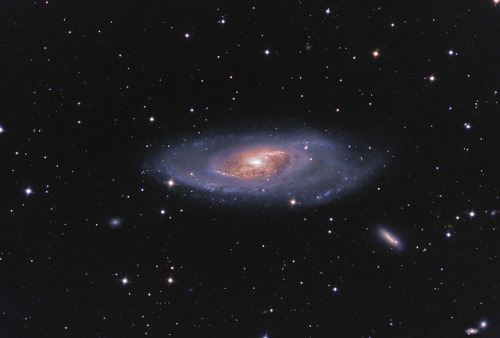 spacettf:  M106 - 10 hrs 25 m Total Exposure by Astro Steve on Flickr.