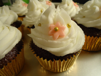 wedding cupcakes - chocolate by cakemuffingirl on Flickr.