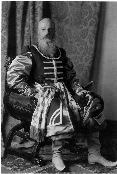 1903 ball grand duke mikhail nkolaevich zaporozhye cossacks costume ball winter palace St. Petersburg russia Romanov imperial russia ataman