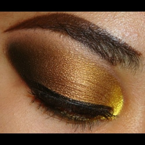 My latest tutorial Bold Gold Smokey #Eyeshadow here http://youtu.be/6mbEya6CGhI at http://www.youtube.com/makemeupbywhitney  #makeupandkiss #makeup_loooks33 #makeupdolls #ilovemacgirls #maccosmetics #vegas_nay #makeupgeek #makeuplover #ilovemakeup #makeupftw #eotd #makeupwhore #ardell #makeupjunkie #makeuphoneys