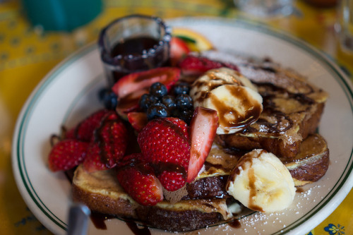 Cinnamon french toast with chocolate sauce & fresh fruit by tracyjuang on Flickr.