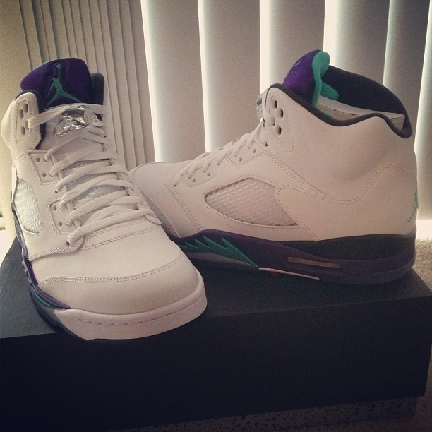 "Air Jordan 5 ""Grapes"" (:"