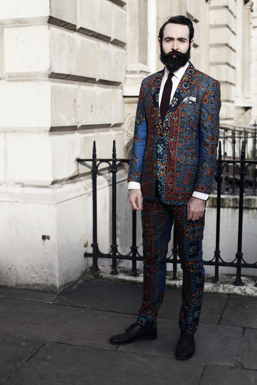 urbanemenswear:  London Fashion Week street style This guy was amazing.