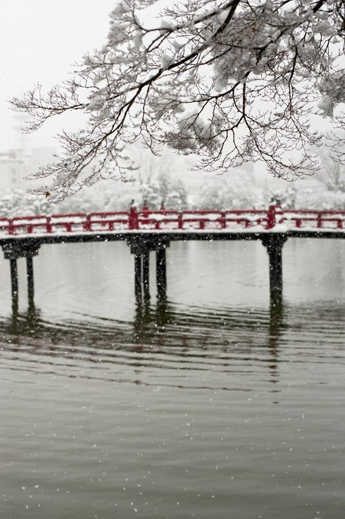 Snow falls on the castle bridge Hirosaki-city, Aomori, North Japan