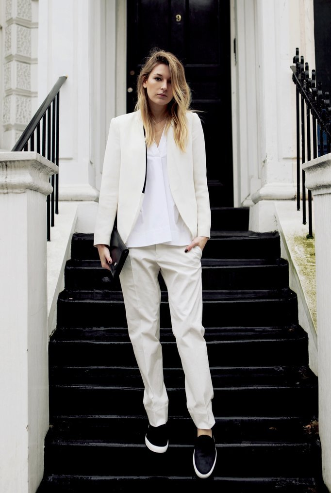 tomboybklyn:  menswear cool….white suit and black pony hair slip-ons