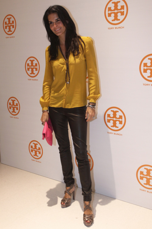 Angie Harmon is the definition of beautiful.