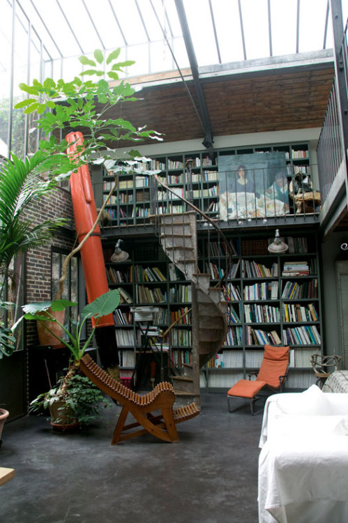 cjwho:  Moody and Industrial Loft