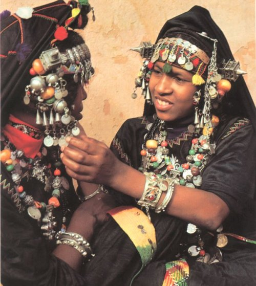 Women from the Guelmim region of Morocco