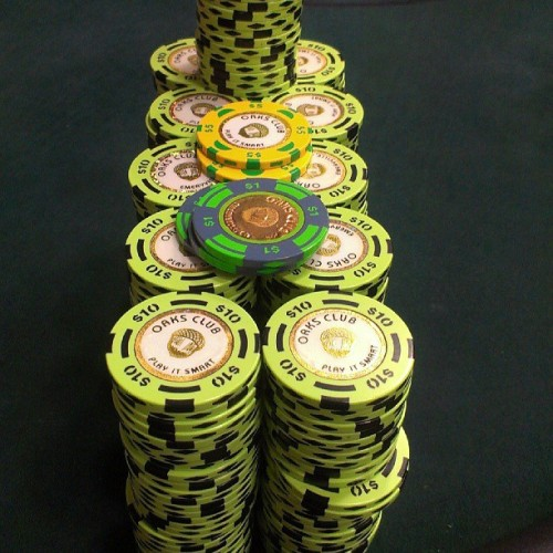 I don't know you can play on my level #stepupyourgame #pokerchips #poker #texasholdem #limit #$10chips #notonmylevel #getit #itsagrind #howirelax #hustler #instagram #idoitfordabay