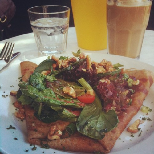 Blue cheese & walnut salade  crepe served with iced cafe, some sunshine, a little breeze and a smiling waiter. What more could I ask for? #crepe #bluecheese #walnut #salad #foodporn #coffee #icecream #breakfast #breakkie #melbourne #oneluckybastard (at Breizoz French Creperie)