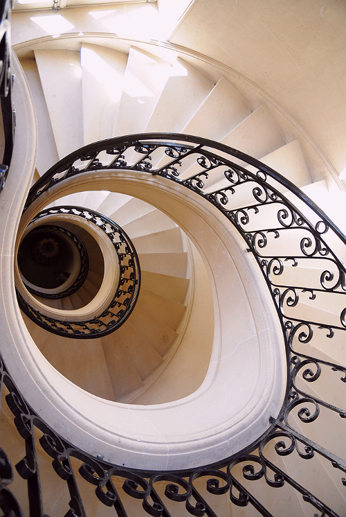 hellanne:  spiral staircase (by major whipple 2)
