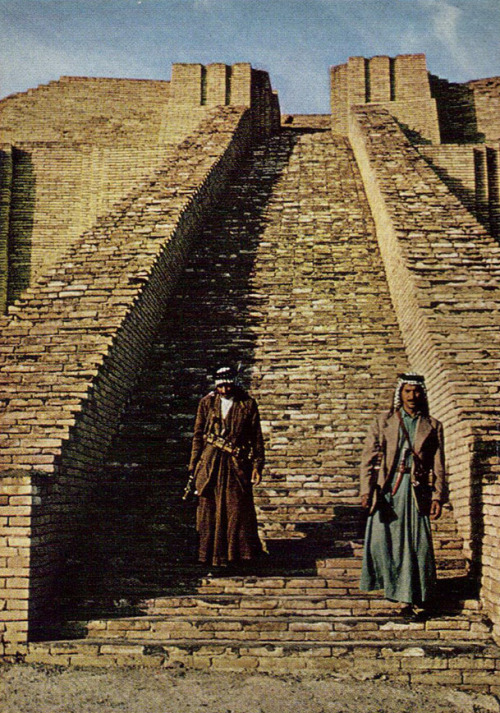 allmesopotamia:  AMAZING! kicker-of-elves:  guards protecting the city of Ur from treasure seekers and brick thieves National Geographic December 1966            Dean Conger