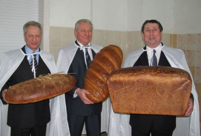 fukkkres:  dont be mad cuz we stackin heavy bread  hahahah lol.