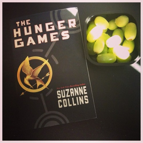 Eating frozen grapes while reading The Hunger Games #TheHungerGames#grapes#fruits#reading#suzannecollins