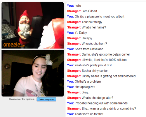 candy-red-dani:  so I set up my headband for a date with a lawn gnome named Gilbert