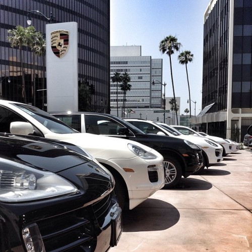 88F in the shade! Hot deals at Beverly Hills Porsche #Porsche  (at Beverly Hills Porsche)