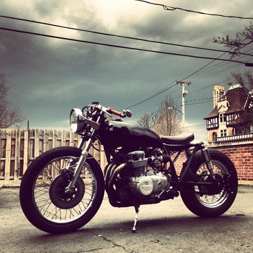 "alltheflyshii:  garageprojectmotorcycles:  Saw this custom CB500 on Christopher Titus's Instagram feed and had to share it. You can follow Chris on Instagram by searching for ""_shutter"" or click here if you use statigram  Beautiful"