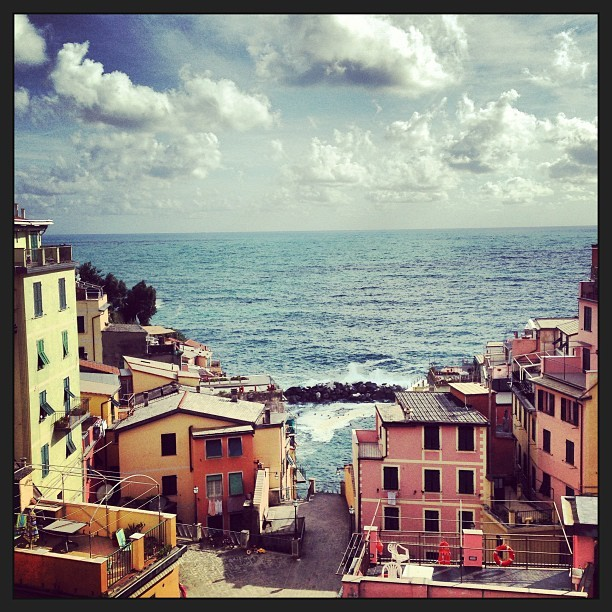 workdrugs:  Roof decking. #italy (at Riomaggiore)