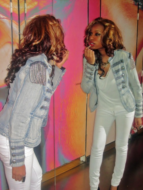 Jacket : Guess , Top and Jean : Forever 21 , Necklace : BCBG Max Azria Shoes : Blyke by Jeffrey Campbell ( but you can't see them here lol )  Weya , 22 , Paris  weyareign.tumblr.com